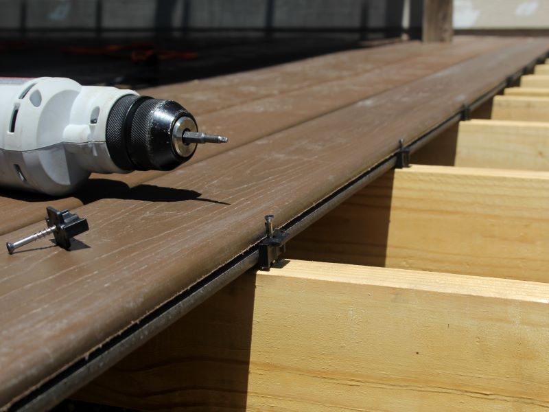 composite decking with wood web